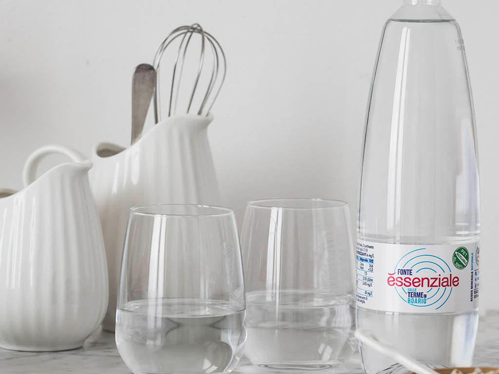2 bicchieri al giorno di fonte essenziale